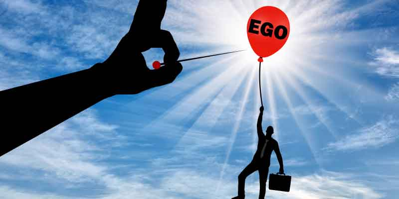 big ego, disadvantages of a big ego ego, negative effects of ego, ego kills relationships, egocentric, arrogance, narcissism, ego trip, vain, conceit, self-absorbed, Frank Sonnenberg